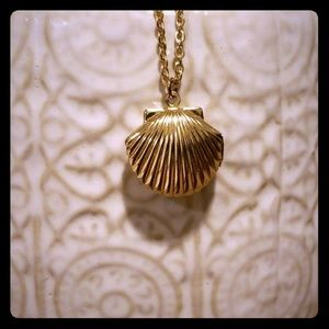 Gold Scallop Shell Necklace